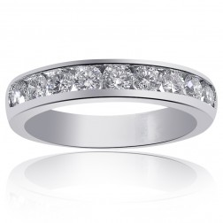 Women Round Brilliant Diamond Wedding Band in Platinum (0.75ctw)